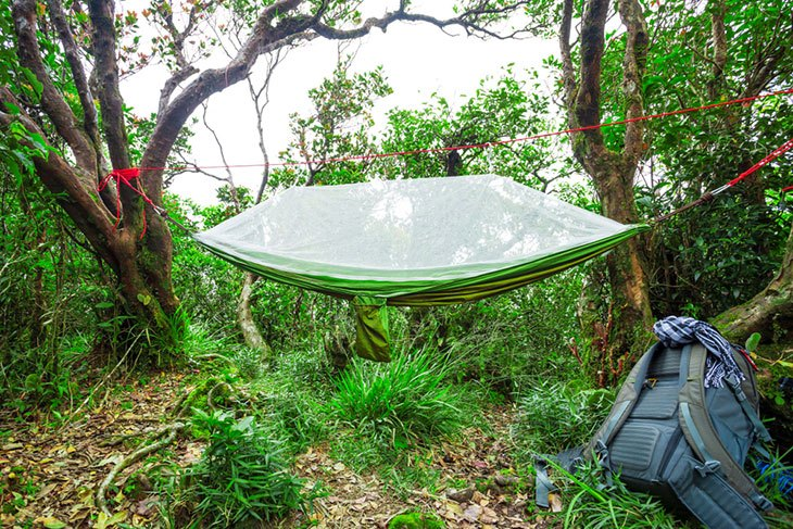 how to set up an air hammock