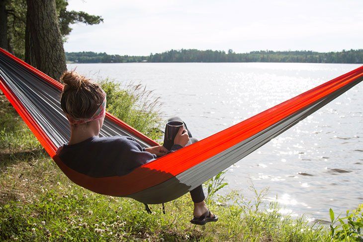 how to set up a hammock on a stand
