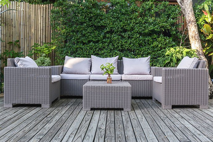 when is the best time to buy outdoor furniture